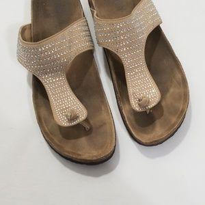 Shoes - Super cute sandals